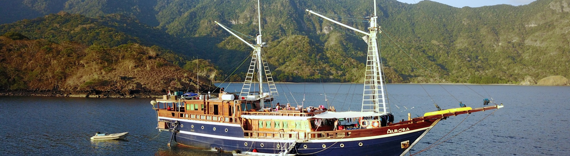 Amazing cruise in Komodo 8 nights (Labuan Bajo - Labuan Bajo)